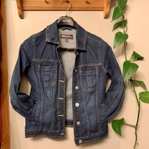 Dark wash denim jacket. Size small